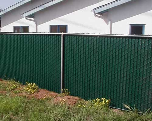 Vinyl to chain link fence gate